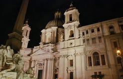 Εκκλησία Sant Agnese νύχτας στην πλατεία Navona στη Ρώμη, Ιταλία Στοκ Φωτογραφίες