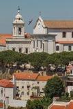 Εκκλησία Santa Engracia, Λισσαβώνα, Πορτογαλία με τον ωκεανό Στοκ Εικόνες