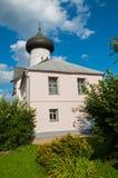 Εκκλησία Simeon ο δέκτης Θεών σε Veliky Novgorod, Ρωσία - τοπίο αρχιτεκτονικής στοκ φωτογραφίες