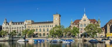 εκκλησιών πόλεων εικονικής παράστασης πόλης ρολογιών προσώπου μεγαλύτερος κόσμος Ζυρίχη πύργων Peter s ST ελβετικός Στοκ φωτογραφία με δικαίωμα ελεύθερης χρήσης