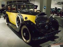 Εκλεκτής ποιότητας αναδρομικό αυτοκίνητο Rolls-$l*royce 25 30 HP στο μουσείο στοκ εικόνες με δικαίωμα ελεύθερης χρήσης
