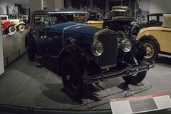 Εκλεκτής ποιότητας αναδρομικό καμπριολέ Delage DMN Faux αυτοκινήτων από Figoni στο μουσείο στοκ φωτογραφίες