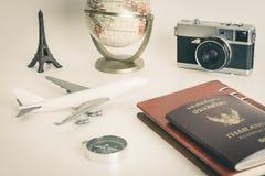 Εκλεκτής ποιότητας αντικείμενο εξερευνητών συγγραφέων ταξιδιού για το ταξίδι στοκ εικόνα με δικαίωμα ελεύθερης χρήσης