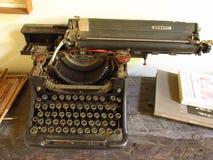 Εκλεκτής ποιότητας γραφομηχανή background retro στοκ φωτογραφίες