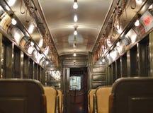 Εκλεκτής ποιότητας εσωτερικό αυτοκινήτων υπογείων πόλεων της Νέας Υόρκης του ιστορικού τραίνου στοκ εικόνες