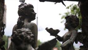 Εκλεκτής ποιότητας κινηματογράφηση σε πρώτο πλάνο αγαλμάτων κήπων Άγγελος ύπνου στο νεκροταφείο Λα Recoleta στο Μπουένος Άιρες Γλ Στοκ φωτογραφία με δικαίωμα ελεύθερης χρήσης