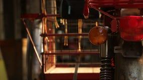 Εκλεκτής ποιότητας κόκκινο τρίκυκλο - λεπτομέρειες μοτοσικλετών στοκ φωτογραφία με δικαίωμα ελεύθερης χρήσης