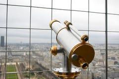 Εκλεκτής ποιότητας μέταλλο που γίνεται το τηλεσκόπιο στον πύργο στοκ φωτογραφία με δικαίωμα ελεύθερης χρήσης