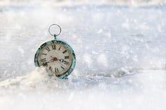 Εκλεκτής ποιότητας ξυπνητήρι στον πάγο Στοκ Φωτογραφίες