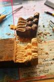 Εκλεκτής ποιότητας ξύλινη γλυπτική αναδημιουργίας ποδιών επίπλων στοκ φωτογραφία