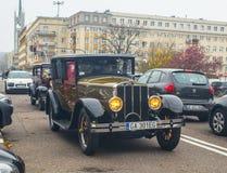 Εκλεκτής ποιότητας οδήγηση αυτοκινήτων στην παρέλαση στοκ φωτογραφίες