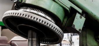Εκλεκτής ποιότητας παλαιός αυτοκίνητος δείκτης πινάκων ακονιών δύναμης καταστημάτων μηχανών Στοκ εικόνες με δικαίωμα ελεύθερης χρήσης