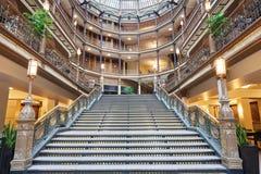 Εκλεκτής ποιότητας σκάλα στο παλαιό Arcade Στοκ φωτογραφία με δικαίωμα ελεύθερης χρήσης