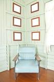εκλεκτής ποιότητας τοίχος δωματίων πλαισίων εδρών Στοκ Φωτογραφίες