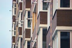 Εκλεκτής ποιότητας τοίχος προσόψεων οικοδόμησης κλασικά ευρωπαϊκά αρχιτ&epsilo στοκ φωτογραφία