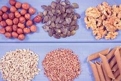 Εκλεκτής ποιότητας φωτογραφία, προϊόντα και συστατικά που περιέχουν το χαλκό και την τροφική ίνα, υγιής διατροφή Στοκ Φωτογραφία
