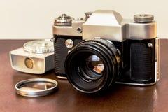 Εκλεκτής ποιότητας φωτογραφική μηχανή SLR στοκ εικόνες