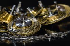 Εκλεκτής ποιότητας Fusee ρολογιών τσεπών αλυσίδα που κουλουριάζεται γύρω από το Fusee κώνο Στοκ φωτογραφίες με δικαίωμα ελεύθερης χρήσης