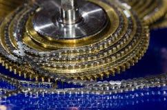 Εκλεκτής ποιότητας Fusee ρολογιών τσεπών αλυσίδα που κουλουριάζεται γύρω από το Fusee κώνο Στοκ Εικόνες