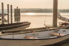 Εκλεκτής ποιότητας Sailboats πρωινού της Misty στο Potomac ποταμό στοκ εικόνες
