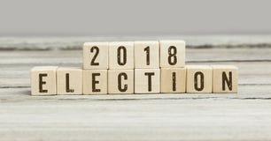 2018 εκλογές στους ξύλινους κύβους στοκ φωτογραφία με δικαίωμα ελεύθερης χρήσης