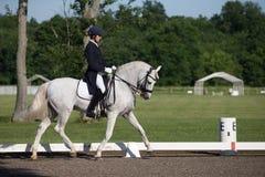 Εκπαίδευση αλόγου σε περιστροφές FEI Prix ST Georges Στοκ Εικόνες