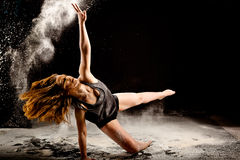 Εκρηκτική δράση χορευτών σκονών στοκ φωτογραφία με δικαίωμα ελεύθερης χρήσης