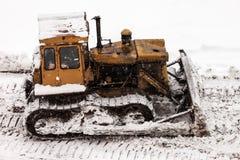Εκσακαφέας στην οικοδόμηση του εργοτάξιου οικοδομής Στοκ εικόνα με δικαίωμα ελεύθερης χρήσης