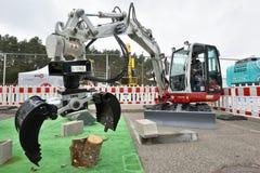 Εκσκαφέας Takeuchi στη δράση Στοκ εικόνες με δικαίωμα ελεύθερης χρήσης