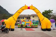 Εκτάριο Giang, Βιετνάμ - 15 Φεβρουαρίου 2016: Δημόσια παιδική χαρά παιδιών στην πόλη εκταρίου Giang Στοκ Εικόνα