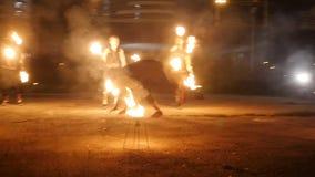 Εκτελεστές τσίρκων στην κατάρτιση η δράση σε σε αργή κίνηση φιλμ μικρού μήκους