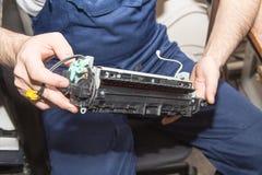 Εκτυπωτής λέιζερ επισκευής Στοκ εικόνες με δικαίωμα ελεύθερης χρήσης