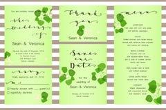 Εκτός από την κάρτα ημερομηνίας, η γαμήλια πρόσκληση, ευχετήρια κάρτα με τα όμορφα λουλούδια, πράσινα φύλλα και επιστολές Στοκ Εικόνες