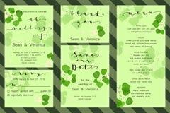 Εκτός από την κάρτα ημερομηνίας, η γαμήλια πρόσκληση, ευχετήρια κάρτα με τα όμορφα λουλούδια, πράσινα φύλλα και επιστολές Στοκ φωτογραφία με δικαίωμα ελεύθερης χρήσης