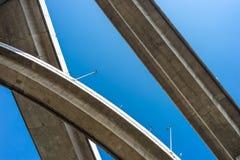 Εκφράστε τον τρόπο με το μπλε ουρανό στοκ εικόνα με δικαίωμα ελεύθερης χρήσης