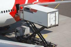 εκφόρτωση αεροπλάνων Στοκ Φωτογραφίες