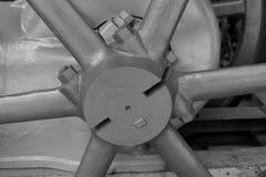 Εκλεκτής ποιότητας άξονας ροδών μηχανών Στοκ φωτογραφία με δικαίωμα ελεύθερης χρήσης