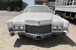 Εκλεκτής ποιότητας αμερικανικό limousine Cadillac Φλήτγουντ στοκ φωτογραφία με δικαίωμα ελεύθερης χρήσης
