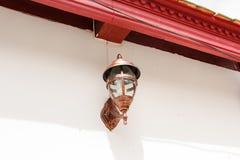 Εκλεκτής ποιότητας λαμπτήρας στον τοίχο Στοκ εικόνες με δικαίωμα ελεύθερης χρήσης