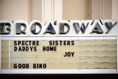 Εκλεκτής ποιότητας ασπίδα κινηματογράφων Broadway Στοκ Φωτογραφία