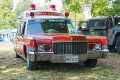 Εκλεκτής ποιότητας αυτοκίνητο ασθενοφόρων αστυνομίας Cadillac στην επίδειξη Στοκ Εικόνες