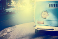 Εκλεκτής ποιότητας αυτοκίνητο στο δρόμο Στοκ εικόνες με δικαίωμα ελεύθερης χρήσης