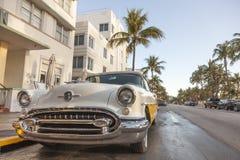 Εκλεκτής ποιότητας αυτοκίνητο στο ωκεάνιο Drive, Μαϊάμι Στοκ Φωτογραφίες
