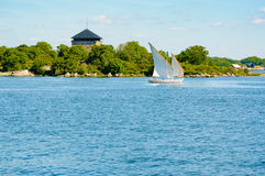 Εκλεκτής ποιότητας βάρκα στο αρχιπέλαγος Στοκ φωτογραφίες με δικαίωμα ελεύθερης χρήσης