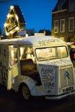 Εκλεκτής ποιότητας βαγόνι εμπορευμάτων πρόχειρων φαγητών Στοκ φωτογραφία με δικαίωμα ελεύθερης χρήσης