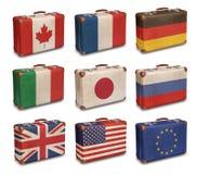 Εκλεκτής ποιότητας βαλίτσες με G8 και της ΕΕ τις σημαίες Στοκ εικόνα με δικαίωμα ελεύθερης χρήσης