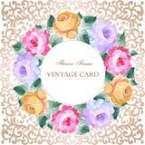 Εκλεκτής ποιότητας ευχετήρια κάρτα με τα λουλούδια σε ένα χρυσό υπόβαθρο Με το π Στοκ φωτογραφία με δικαίωμα ελεύθερης χρήσης