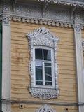 Εκλεκτής ποιότητας διακοσμητικά ξύλινα παράθυρα Στοκ εικόνες με δικαίωμα ελεύθερης χρήσης