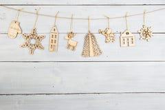 Εκλεκτής ποιότητας διακόσμηση Χριστουγέννων στον ξύλινο πίνακα - snowflakes, ange Στοκ Εικόνες