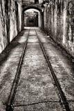 Εκλεκτής ποιότητας διαδρομή σιδηροδρόμου στο ενισχυμένο αμυντικό οχυρό Στοκ Φωτογραφία